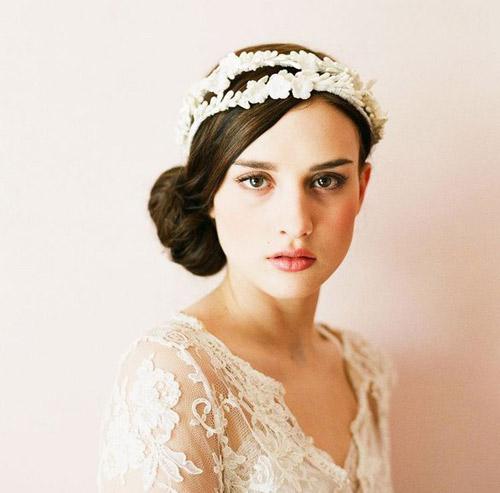 Tóc cưới cổ điển sang trọng cho mùa hè